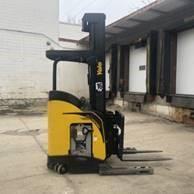 Yale NDR030EBN electric narrow aisle 3000lb stand up rider double reach warehouse forklifts