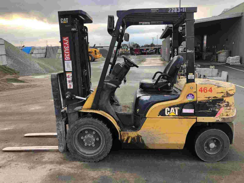 Cat 2PD6000 3 ton 6,000lb pneumatic tire diesel fuel outdoor forklift