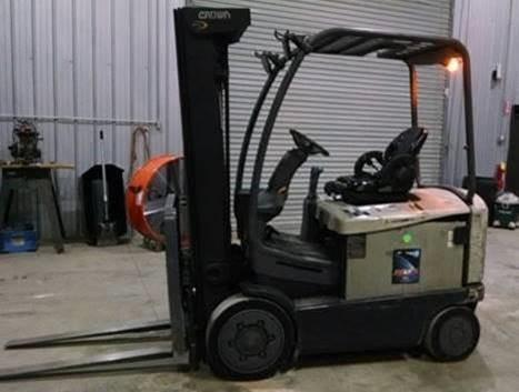 Crown FC4525-40 electric sit down rider 4 wheel 4000lb warehouse forklifts