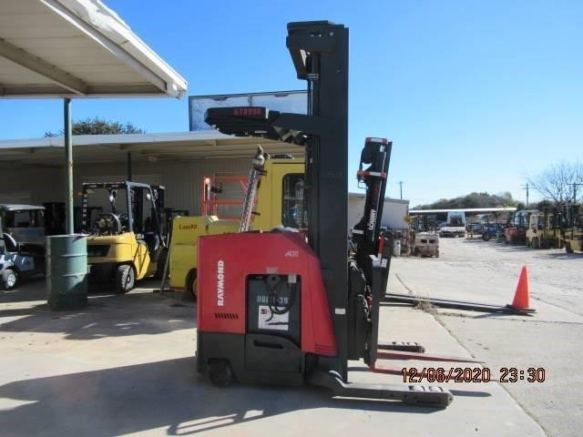 Raymond 740DR32TT electric narrow aisle 3200lb stand up rider double reach warehouse forklift