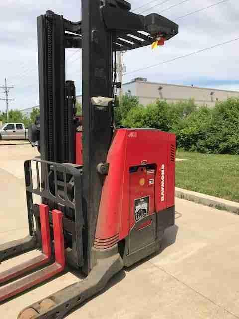 Raymond 740R35TT narrow aisle electric 3500lb stand up rider reach forklift