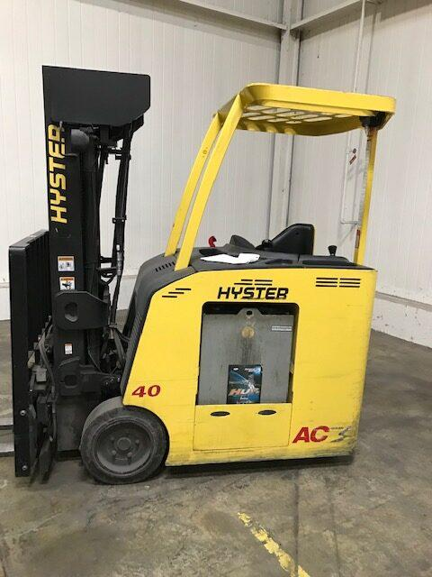 Hyster E40HSD2 electric narrow aisle stand up rider 4000lb counterbalanced warehouse forklift