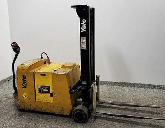 Yale MCW025 electric narrow aisle walk behind counterbalanced EE rated 2500lb stacker