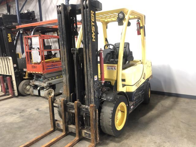 Hyster H70FT 7000lb 3.5 ton diesel fuel pneumatic tire outdoor forklift
