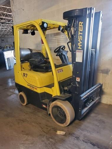 Hyster S60FT cushion tire propane fuel 6000lb indoor warehouse forklifts