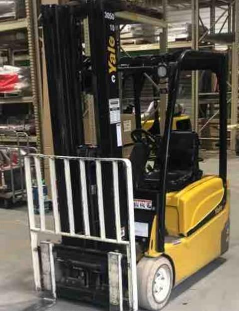 Yale ERP040VT electric 3 wheel sit down rider 4000lb warehouse forklift