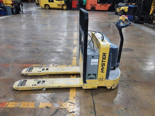 Hyster W65Z EE rated electric 6500lb walk behind pallet jack with only 66 hours