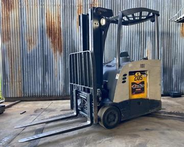 Crown RC5545-40 electric narrow aisle 4000lb stand up end control rider counterbalanced warehouse forklift