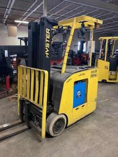 Hyster E30HSD2 narrow aisle 3000lb stand up rider counterbalanced end control warehouse forklifts