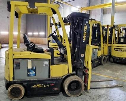 Hyster E50XN electric 5000lb sit down rider quad mast warehouse forklifts