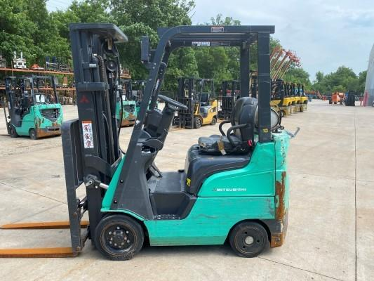 Mitsubishi FGC15N propane fuel 3000lb warehouse forklifts with solid cushion tires