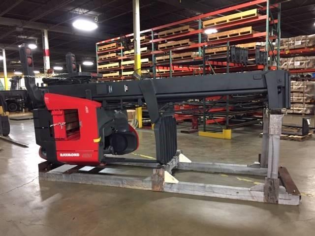 Raymond 772-R45TT electric narrow aisle stand up rider 4500lb warehouse reach forklift