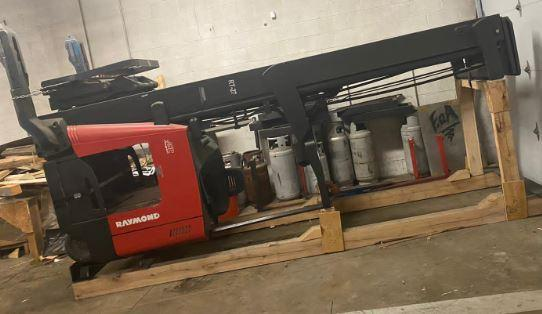 Raymond 772-R45TT electric narrow aisle 4500lb stand up rider reach truck