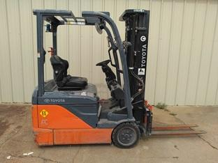 TOYOTA 8FBE15U 3 wheel narrow aisle 3000lb sit down rider EE rated electric warehouse forklifts