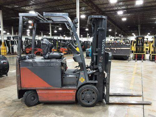 Toyota 8FBCU30 electric EE rated 6000lb sit down rider warehouse forklift
