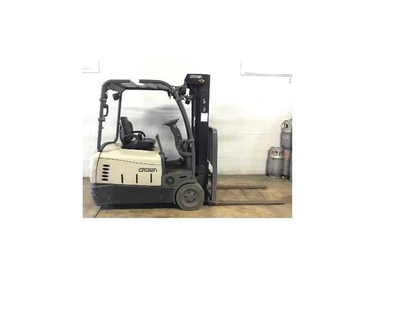 Crown SC5245-35 electric narrow aisle 3500lb sit down rider 3 wheel warehouse forklifts