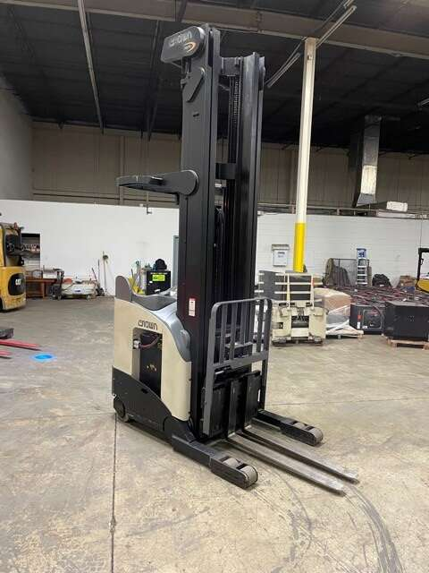 Crown RR5220-45 electric narrow aisle 4500lb stand up rider reach truck