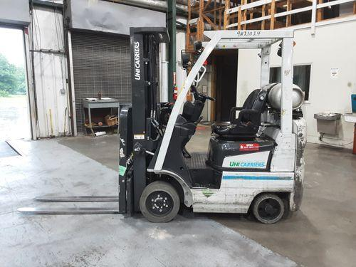Nissan CF30 propane fuel 3000lb cushion solid tire warehouse forklifts