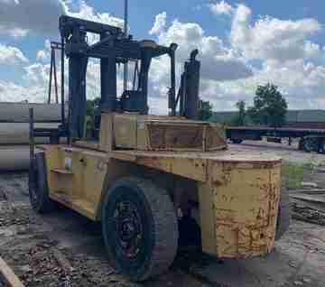 Cat V330C 16 ton 33,000lb diesel fuel air pneumatic tire outdoor forklift