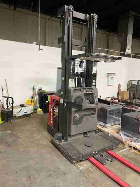 Raymond 560OPC30TT electric 3000lb narrow aisle stand up rider order picker wire guided warehouse forklift