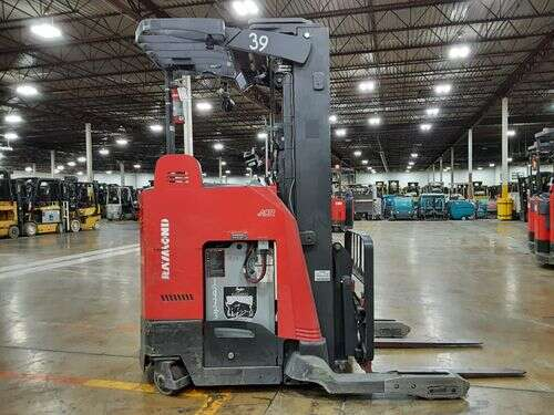Raymond 750DR32TT electric narrow aisle 3200lb stand up rider double reach warehouse forklifts